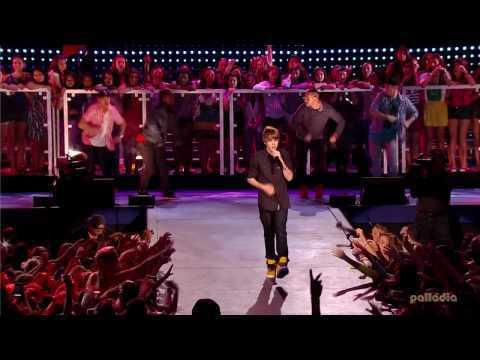 Justin Bieber - Baby ( Live ) En Vivo