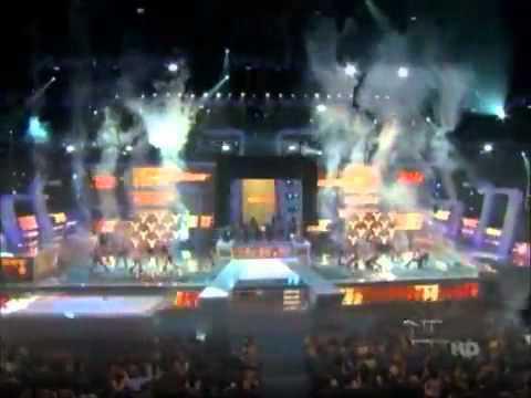 Wisin & Yandel - Premios lo nuestro 2011- Estoy enamorado , Zun Zun EN VIVO - Ft Pitbull , Tego