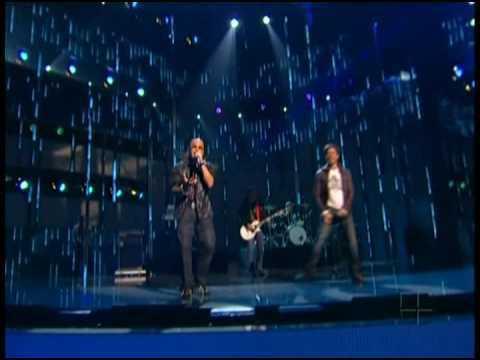 Enrique Iglesias y Wisin y Yandel - Lloro Por Ti (En Vivo)