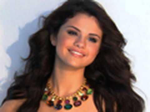 Selena Gomez - Style Star