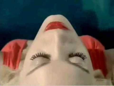 L Perfume Commercial Gwen Stefani new