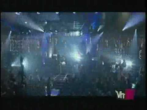 christina aguilera Fighter en vivo (vh1 live)