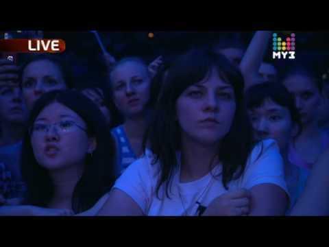 Latoya Jackson, Дима Билан и др. - Премия МУЗ-ТВ 2010 - Earth Song