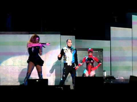 Black Eyed Peas - My Humps ( ao vivo do S?o Paulo 4/11/2010 )