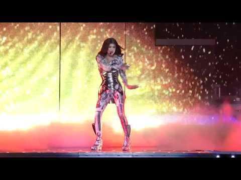Black Eyed Peas Ao Vivo  Staples Center  - Meet Me Halfway