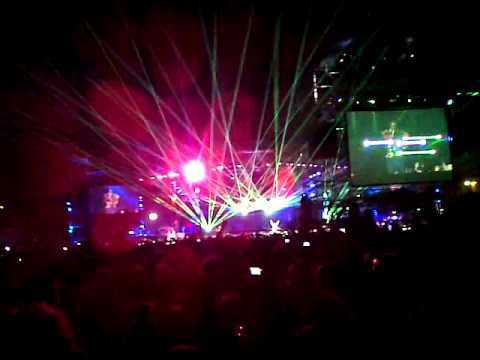 Black Eyed Peas - I gotta felling (Vivo en Argentina 06.11.2010).3GP