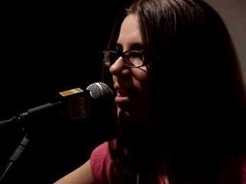 Lilu Live at Fnac - Tomorrow (Avril Lavigne Cover)