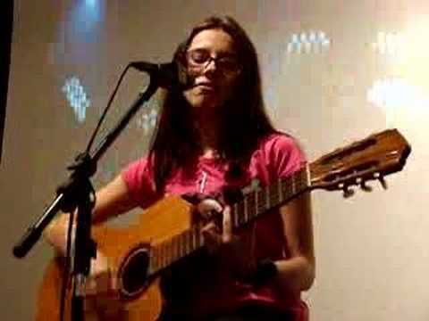 Lilu Live at Fnac - Girlfriend (Avril Lavigne Cover)