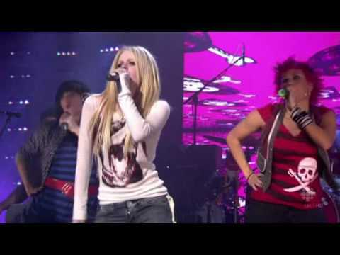 Avril Lavigne - Girlfriend (Live)