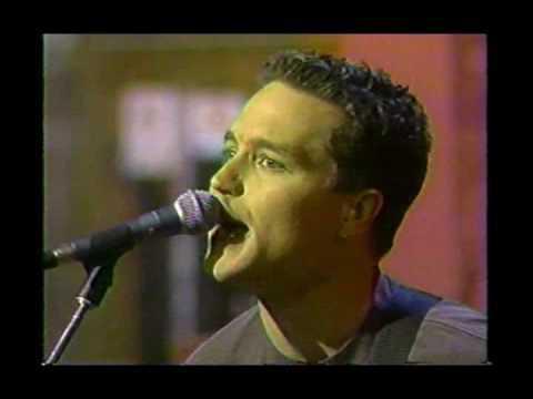 Blink182 - Josie en vivo en Music Much 1997 [HQ]